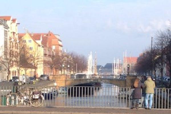 Et kvarter på halvanden time:  Historisk rundtur på Christianshavn