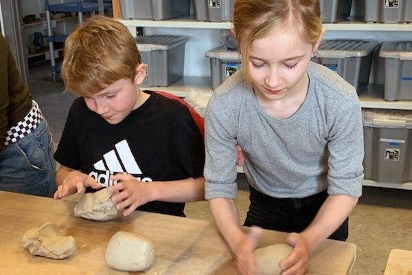 10-ugers grundkursus i keramik for børn v. Stine Jespersen