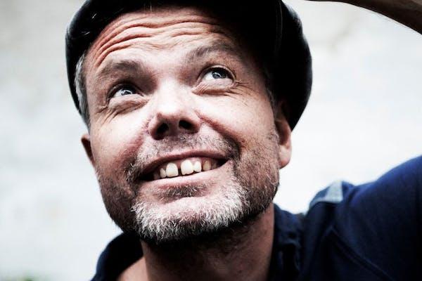 EKSTRA KONCERT! Eksklusiv intimkoncert med Rasmus Nøhr på BRÖNS