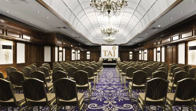 Hotels with conference facilities: St. James' Court Hotel