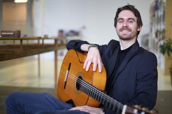 Klassisk minikoncert – guitar / for daginstitutioner